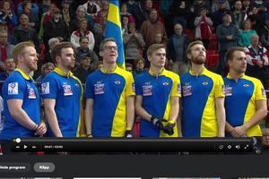 Från vänster i bild, Niklas Edin, Oskar Eriksson, Kristian Lindström, Christoffer Sundgren, reserven Henrik Leek och tränare Fredrik Lindberg.