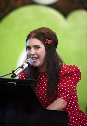 För andra året i rad spelar Miss Li på Allsång på Skansen.