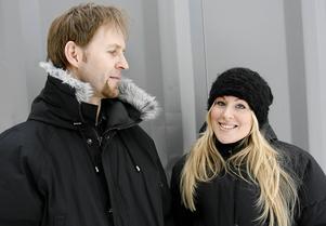 Sara Strömberg får priset tillsammans med sin man Anders Nilsson för deras skapande och författande av Birger det lilla storsjöodjuret.
