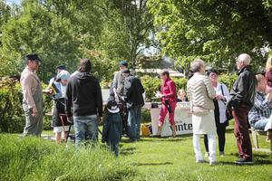 Maten som ungdomar från friskolan Vintergatan serverade var populär bland besökarna.