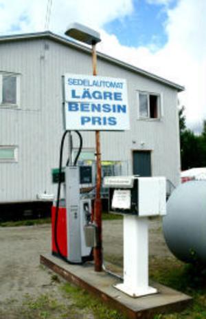 Någon bensin från de friköpta pumparna kommer inte heller att säljas.