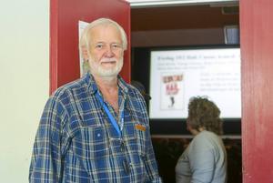 Lennart Hamnerud berättar att biogruppen planerar fler klassiker som numera finns i digital restaurerat format, om det finns intresse från publiken.
