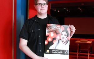 På fredag visar Folkets hus bio i Säter operaföreställningen Turandot med Nina Stemme i huvudrollen. Robin Lindkvist är nyanställd för att utveckla kulturen på Folkets hus. Foto: Sylvia Kjellberg