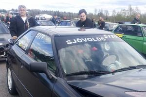 Markus på plats i Lunda med sin Audi.