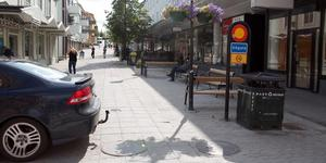 Det nya förslaget från handel i Sollefteå var att öppna gågatan för personbilstrafik från korsningen vid Handelsbanken och upp mot Hullsta Gård.
