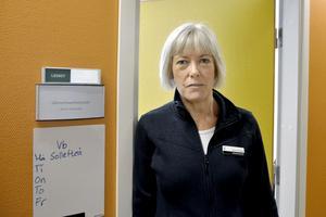 Länsklinikchef Anne Thelander berättar att på hyrläkarsidan kommer nästan alla söderifrån, där många är från storstäderna. Bland hyrsjuksköterskorna är det en stor andel som bor i Norrbotten.