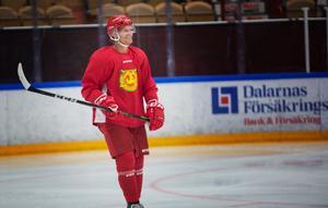 Moras lagkapten Adam Masuhr fick kliva av mötet med Modo Hockey.