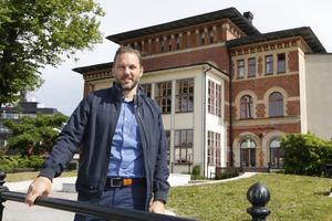 Tomas Johansson, centrum- och handelsutvecklare på Norrtälje handelsstad, går all in för att Norrtälje ska bli årets stadskärna år 2022, samma år som Norrtälje fyller 400 år.