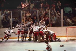 USA-jubel efter 4–3-segern mot Sovjet.