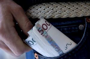 En boende i Skinnskatteberg blev bestulen på 5 000 kronor i kontanter. Foto: Fredrik Sandberg / SCANPIX