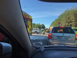 Två personer skadades allvarligt i en trafikolycka den 28 juni. En 54-årig man i Västerås misstänks för att ha brutit mot trafikreglerna och därmed  orsakat olyckan. Bild: Läsarbild
