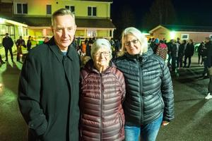 Magnus Persson och Margareta Busk åkte till Lillhärdal från Söderhamn för att vara med i manifestationen. I mitten Margaretas mamma, Barbro Busk.