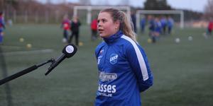 En av många intervjuer i samband med Norrtelje Tidnings livesända fotbollsmatcher.