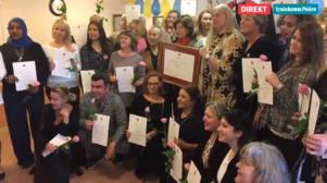 Drottning Silvia delade ut diplom till alla Lotsens anställda.