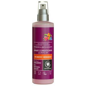 För trassliga hår!Vi är storanvändare av balsamspray. Framför allt de yngre medlemmarna i familjen behöver detta för att kunna kamma ut det svintoaktiga sovrufset som varje natt för med sig.Urtekram är märket som producerade ekologiska produkter innan jag ens visste vad ordet betydde. Sedan 1972, faktiskt.Givet mängden produkt som vi använder i barnens hår varje morgon, känns det skönt att innehållet är ekologiskt.Den här sprayen innehåller vitaminer och näringsämnen från havtorn, blåbär, tranbär och nypon, samt aloe vera. Doftar fräsch och inte sött som många andra balsamspray - det är ett plus.Nordic Berries Spray Conditioner Leave-in, 250 ml.Cirkapris: 47 kronor.