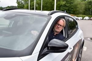Janne Jismyr vann förstapriset i IBF:s lotteri. I går fick han nycklarna och provsatt han bilen bilen.