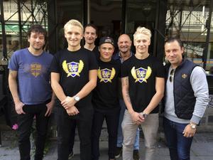 Daniel Johansson, längst till höger och bredvid Björn Hellman, vägrar ge upp hoppet om Christian Frohm och Niclas Rönnqvist. (Arkivbild)