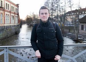 Filip Andersson öppnar för att stanna i moderklubben KIS Bandy. Foto: David Eriksson/arkiv