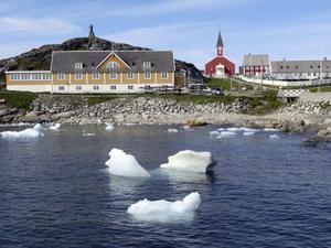 Smältis vid Nuuk, Grönland. Foto: Keith Virgo/TT/AP
