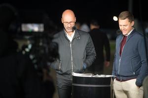 TV-profilerna Micke Nybrink och Per Skoglund fanns på plats.