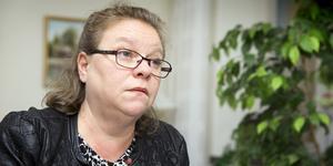 Regionstyrelsens ordförande Denise Norström (S) bär ansvar för att sjukhusen i Västmanland inte kan utföra operationer. Foto: VLT
