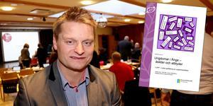 Humanistiska nämndens ordförande Mikael Johansson säger att protokollen från 2016 inte ger en rättvis bild av politikernas agerande kring förra Lupp-rapporten.