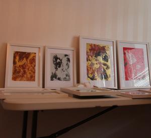 Några tavlor som Britt-Inger Vikberg gjort.  De är alla tillverkade i konsttekniken Encaustic art. En konstform som är vanlig i Holland där vaxbitar smällts med ett strykjärn så att bilden får en tredimensionell effekt.