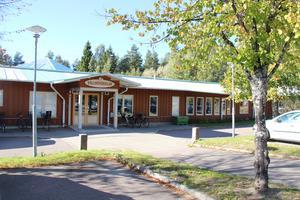Föräldrar till elever på Vallhovskolan i Sandviken mottog i dagarna information om Momo.