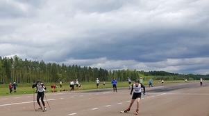Rullskidåkarna sprintade fram  på landningsbanan.