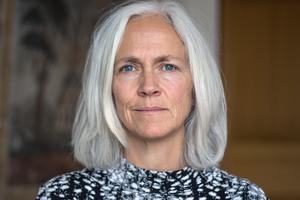 Pernilla Wigren, kommundirektör, anser att chefer måste gå före och bidra till ordning på arbetstider: