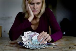 Många arbetslösa tvingas leva på försörjningsstöd då inte a-kassan räcker till.