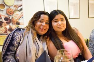 Systrarna Zeinab och Madde Nabgan.
