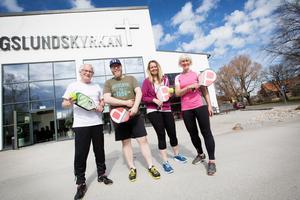 Lars-Göran Wickström, Samuel Nilsson, Ingela Sjöberg och Gunnel Winsjansen har alla nyligen börjat spela pickleball.