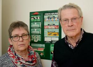 Marie Carlborg Holström och Karl Carlborg berättar att mannen fördes i ambulans till Falu lasarett, som han fick lämna dagen därpå.