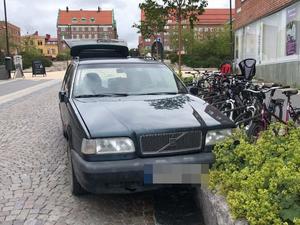 Polisens bild efter vansinneskörningen i centrala Östersund. Terror eller inte så blir jag orolig.