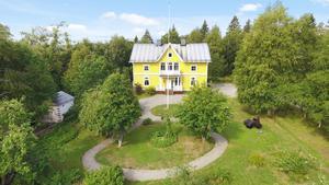 Det här huset i Bjästa såldes för 1 925 000 miljoner kronor. Foto: Höga Kustens Fastighetsmäklare