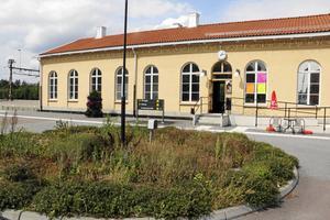Laxå station utan tåg och buss – och med brister i taxiservicen.