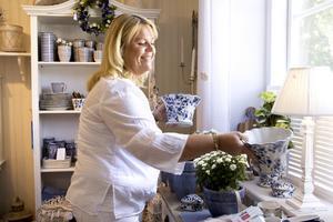 Slottsboden. Carina Harju äger och driver Slottsboden med bland annat heminredning, smycken, saker för barn och ätbara godsaker.
