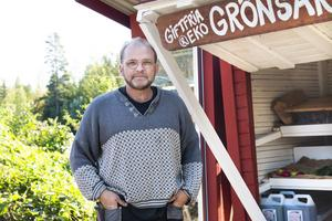 Småbrukaren Anders Persson bjöd in till en rundtur på sin gård.
