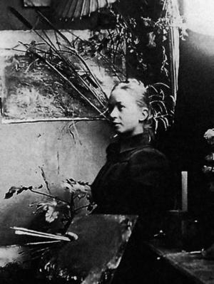 Hilma af Klint under studietiden i Stockholm. Hennes genombrott kom först 1986 när hennes konst visades för första gången, 42 år efter hennes död.