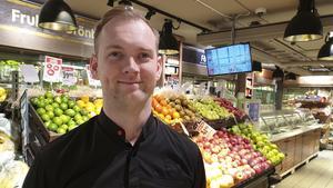 Joakim Kjellgren har mångårig erfarenhet av att arbeta i en Icabutik.