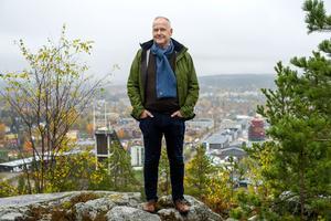Vänsterpartiets ledare Jonas Sjöstedt passade på att inta en topplunch innan han gick på eftermiddagens program i Örnsköldsvik.