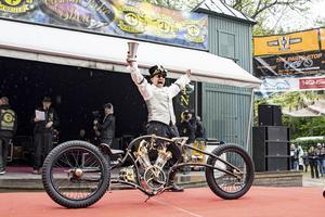 Peter Forsberg från Bomhus i Gävle knep en plats i VM för motorcykelbyggare i Köln 2020 vid lördagens Custom Bike Show i Norrtälje. Bild: Carolin Forsberg @photographsbycarolin