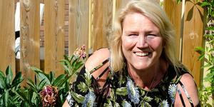 Annika Bel Mekki älskar språk och undervisar i svenska för ensamkommande ungdomar på Västermalms skola.