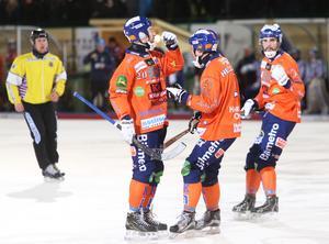 Christian Mickelsson noterades för två av målen när Bollnäs blåste över Falu BS med 6–1.