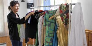 Det blir många klädbyten i föreställningen om Lill-Babs, konstaterar Solveig Bergqvist Larsson.