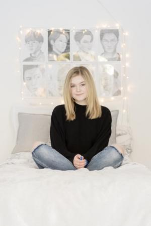 Lisa Jonsson, Misslisibell - firad på nätet men mobbad i skolan. Bild: Ola Kjelbye