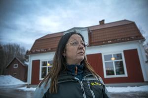 – Jag trivs med lugnet och att få vara ute och gå och åka skoter, säger Eva Hallqvist.