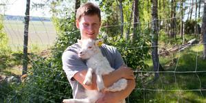 Oscar Fjärrstrand är en av årets bönder som söker kärleken.