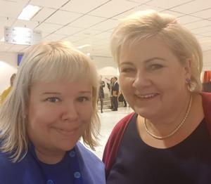 Eleonore Lundkvist (M) tillsammans med Norges statsminister Erna Solberg.  Foto: Eleonore Lundkvist.